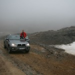 Мы решили подняться в горы, первый снег на высоте 3000 м выглядел очень экзотично