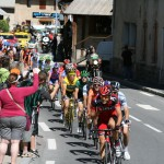 Группа преследователей во главе с Каделом Эвансом - будущим победителем Тура